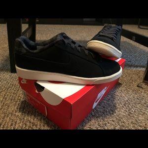 All matte black Nike size 10 for men!